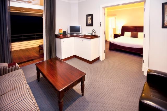 Luxury Spa Suite 1