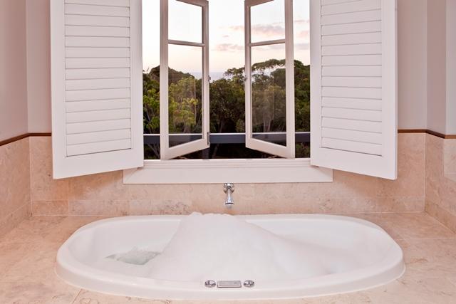 73-Room-1-Luxury-Spa-Suite